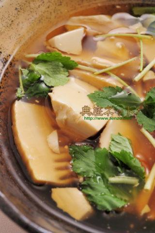 タケノコと豆腐の葛とき汁