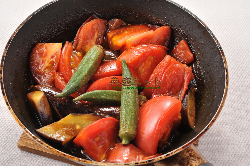 トマトのフライパン味噌焼き